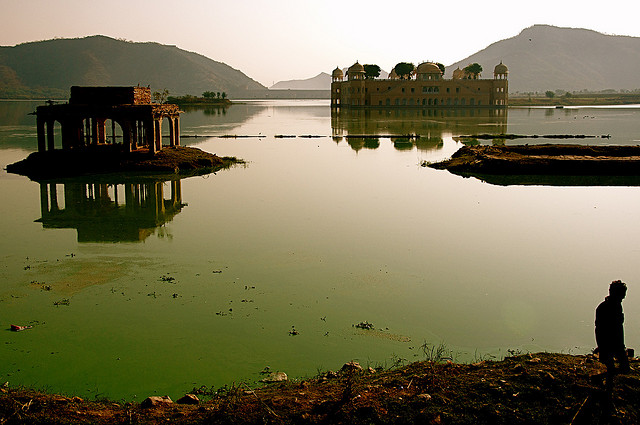 Jal Mahal in Rajasthan. Photo by Chris JL.